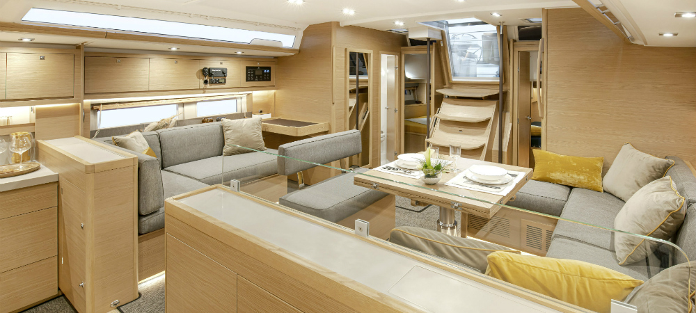 Universalyachting